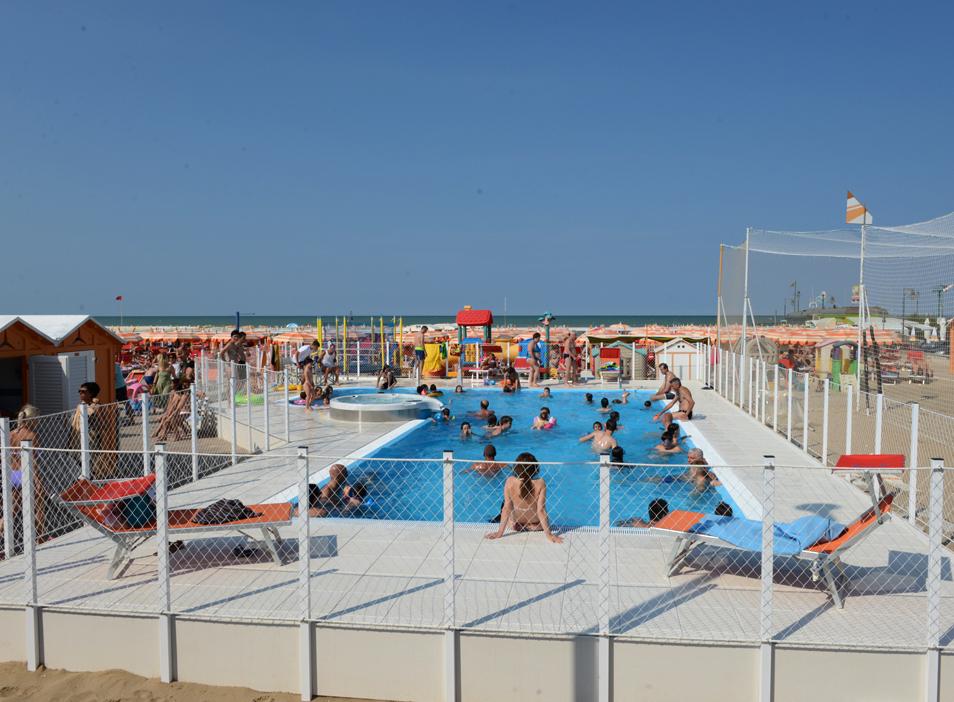 Spiaggia Per Bambini Con Piscina Spiaggia 91 Riccione